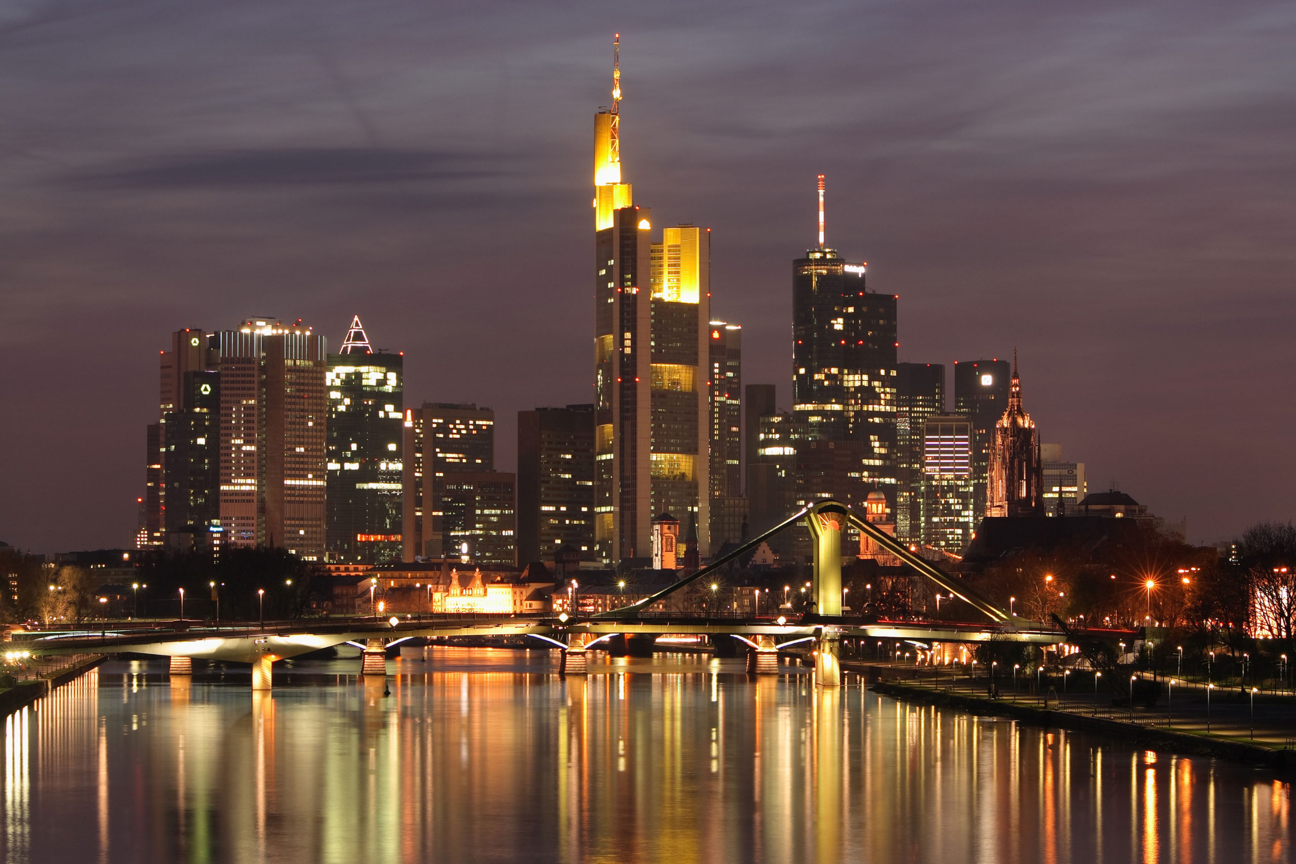 Frankfurt 1 scaled - أهم المدن والمعالم في ألمانيا