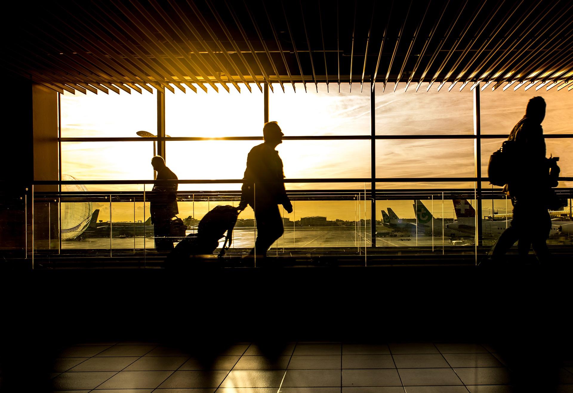 airport 1822133 1920 - آداب قبل السفر : جميع ما يجب عليك معرفته