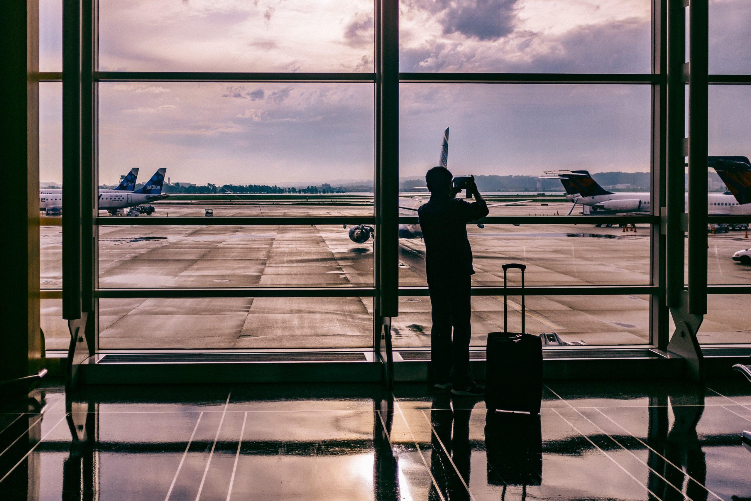 ashim d silva 95249 unsplash scaled - أفضل المطارات الدولية 2018