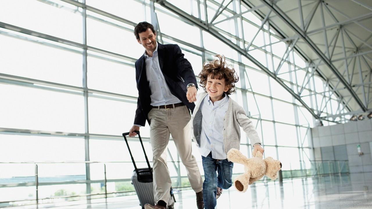 الطائرة و السفر على متنها مع الأطفال