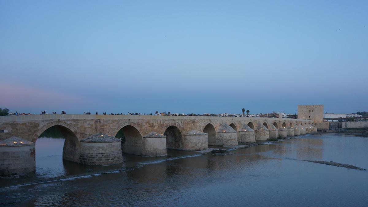 Puente romano - قرطبة مدينة السياحة والتاريخ